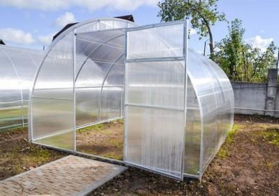 """Теплица """"Садовод"""" каркас 20х40мм, шаг дуг - 0,67м, поликарбонат 4мм, длина 10м"""