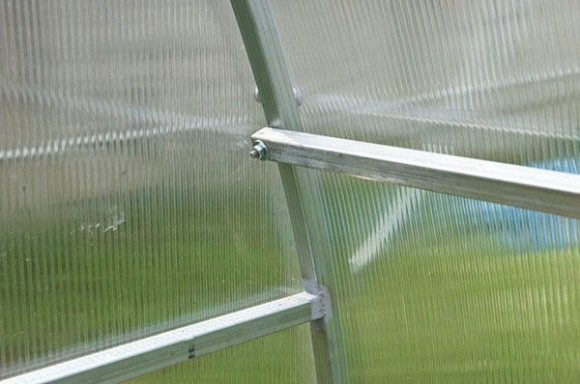 "Теплица ""Садовод"": профиль 20х20мм, шаг дуг - 1м, ширина 2,4м, длина 4, 6, 8,10м фото 4"